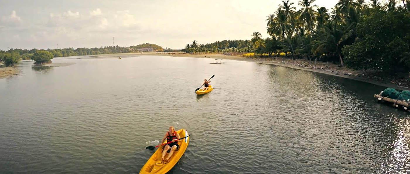 sleepaway-summer-camp-canoeing